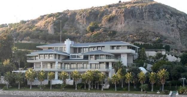 Jolie ve Pitt Urla'da yazlık satın aldı iddiası