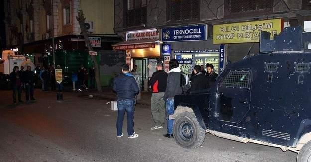 Teröristler polise saldırdı 1'i ağır 3 yaralı
