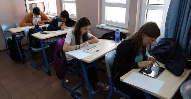 MEB 2. elektronik değerlendirme sınavını yapıyor