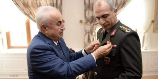 Vali'den Emniyet Müdürü ve Albay'a tam altın