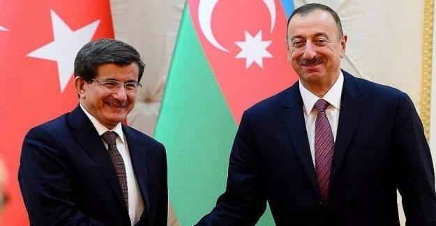 Davutoğlu Azerbaycan'da
