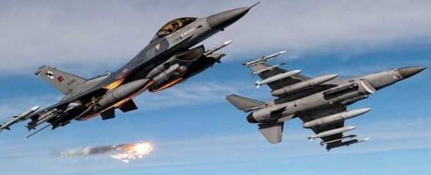 Ege Denizi'nde Türk F-16'lara taciz
