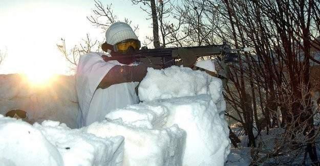 Mehmetçik kar altında görev başında