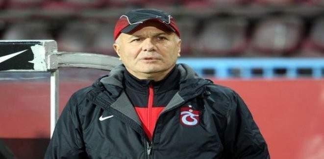 Trabzonspor, Sadi Tekelioğlu ile sözleşme imzaladı