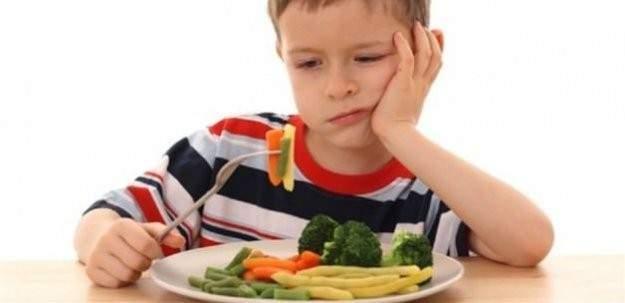 Çocuğunuza 'yemek ye' diye baskı yapmayın!