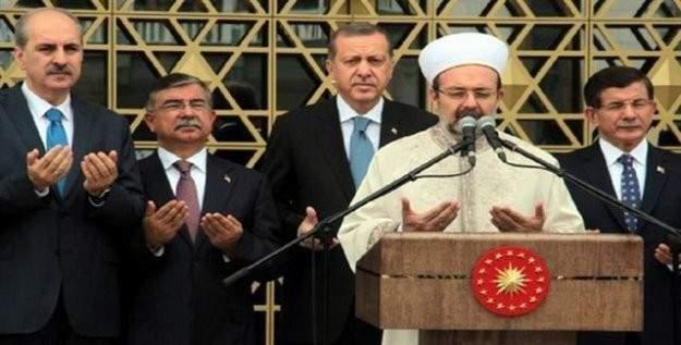 Devletin zirvesi Cuma namazı için Sultanahmet'te