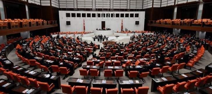Dün gece Meclis'ten geçti! Memur ve işçilere yeni  haklar geliyor