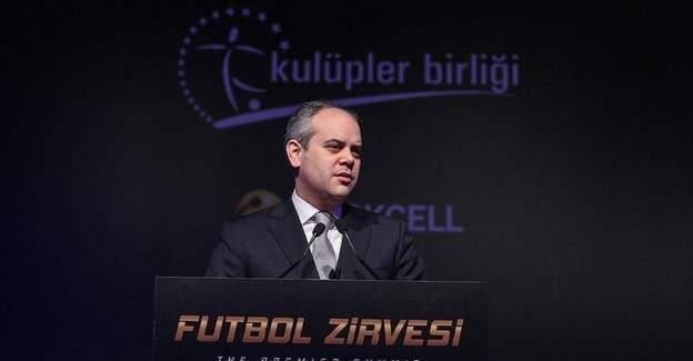 """Bakan Kılıç'ın katıldığı """"Futbol Zirvesi"""" Başladı"""