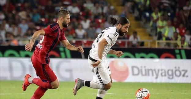 Beşiktaş ile Mersin İdmanyurdu erteleme maçına çıkıyor