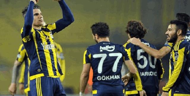 Fenerbahçe kafilesi Moskova'ya uçtu. Gökhan Gönül'den iddialı açıklamalar