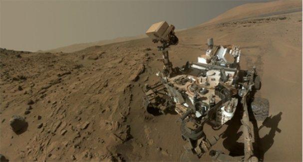Mars'ta ilk selfie çekildi
