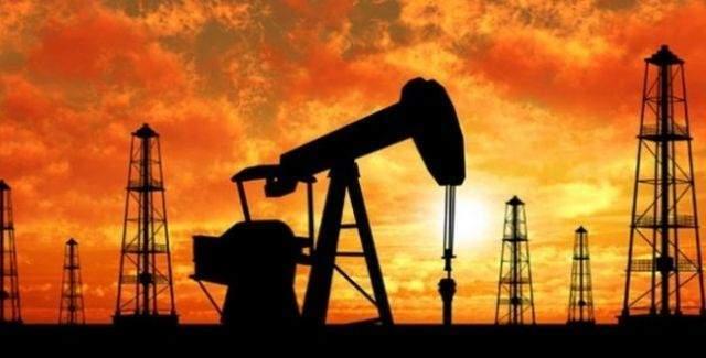Petrol fiyatındaki düşüş Rusya'yı fena vurdu