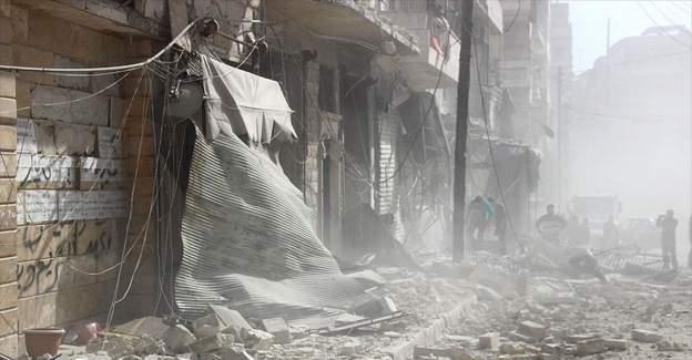 Rusya Halep'i bombalıyor