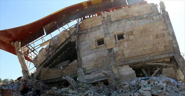 Suriye'de okula ve hastaneye saldırı: 50 ölü var
