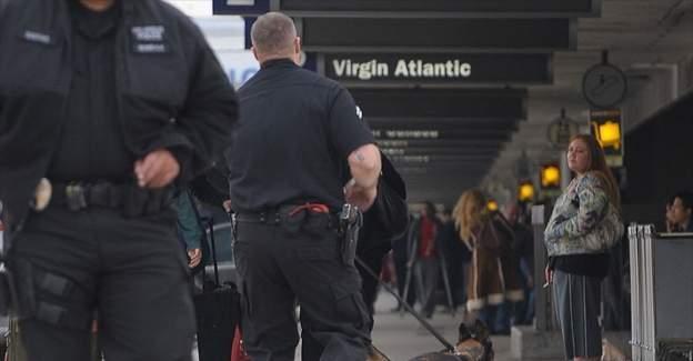 ABD'de iki Müslüman kadın uçaktan indirilerek sorgulandı