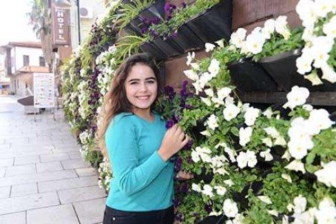 Antalya bahara kandı ve çiçek açtı
