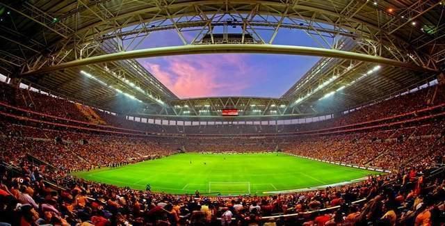 Galatasaray Fenerbahçe derbi maçının ertelenmesi dünya basınında