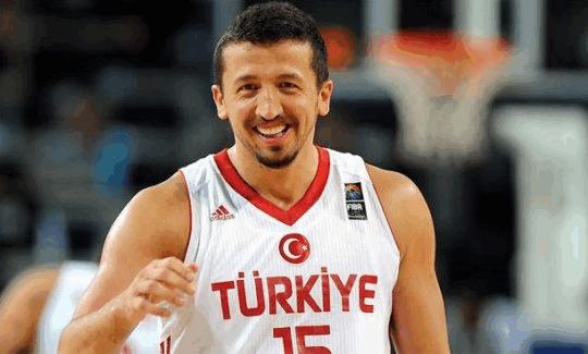 Hidayet Türkoğlu Erdoğan'a danışman olmaya hazırlanıyor