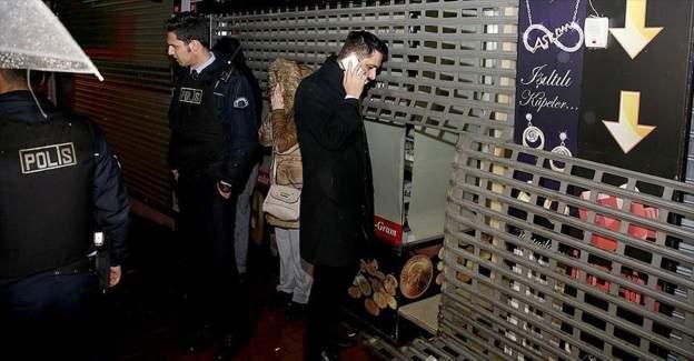 Kuyumcu soyan hırsızlar 2 kilo altınla kayıplara karıştı