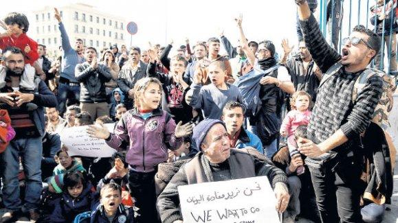 Midilli'deki sığınmacı koşulları 'protesto' edildi
