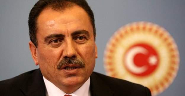 Muhsin Yazıcıoğlu ölümünün 7. yılında Tacettin Dergahı'ndaki kabrinde anılacak