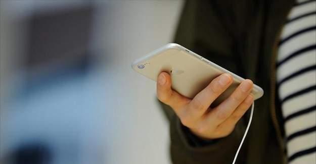 Akıllı telefon kullanırken dikkat! 5 dakikada bir el değiştirin