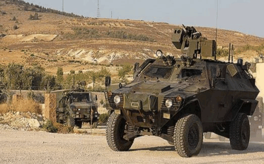 Şanlıurfa'da askeri aracın geçişinde patlama!