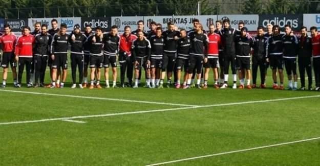 Beşiktaş antrenmanında gerginlik - Oğuzhan antrenmanı yarıda kesti