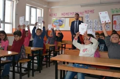 Bitlis'in Tatvan ilçesi Kırkbulak Köyü öğrencileri kitap yazdı.