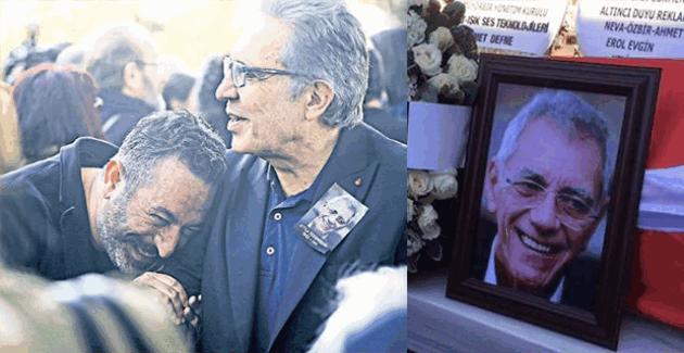 Cem Yılmaz, Atilla Özdemiroğlu'nun cenazesinde güldü!