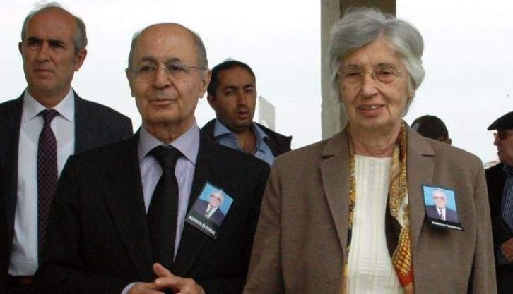 10. Cumhurbaşkanı Sezer, arkadaşının cenazesinde namaz kılmadı