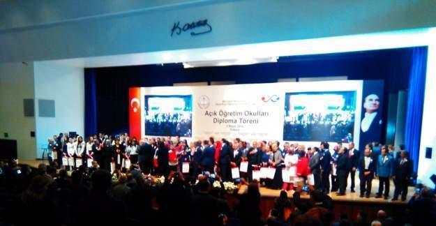 Açık Öğretim Okulları diploma töreni ŞURA salonunda düzenlendi