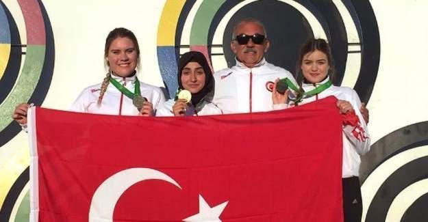 Atıcılıkta Genç Kız Milli Takımı Dünya Üçüncüsü!
