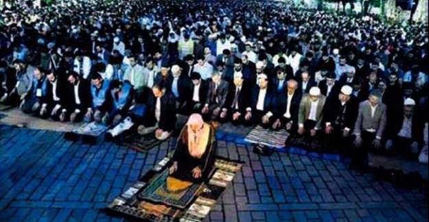 İstanbul Fethi'nin 563. yılı! Binlerce kişi Ayasofya önünde fetih namazı kıldı