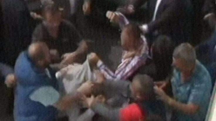 MHP Kurultayı öncesi yumruklu kavga!