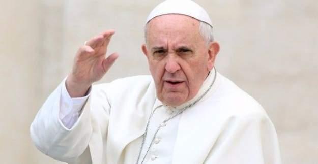 Papa, Fransa'yı başörtüsü konusunda eleştirdi!