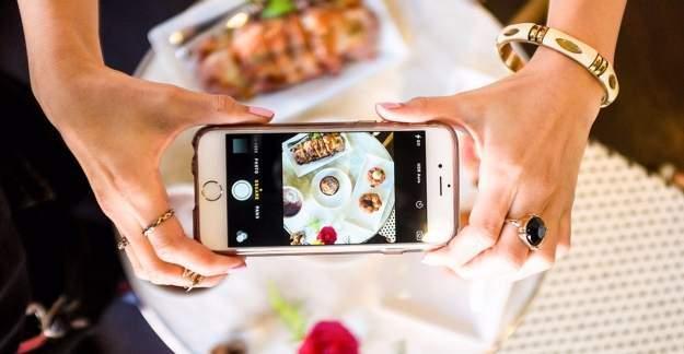 Sosyal Medyada yediğiniz ve içtiğinizi paylaşmayın