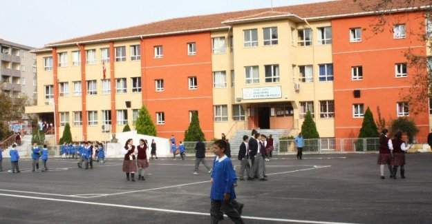 Türkiye'de ortaokul ve lisede devamsızlık oranı nasıl?