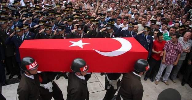 Van'da teröristlerle çatışma çıktı: 1 şehit 1 yaralı