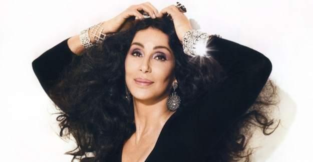 Amerikalı şarkıcı Cher'in İstanbul mesajına tepki gösterildi