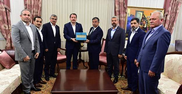 Eğitim Bir-Sen Genel Başkanı Ali Yalçın'dan İsmet Yılmaz'a 'hayırlı olsun' ziyareti