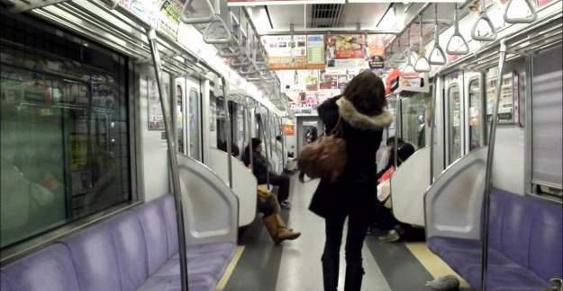 Gökçek'ten metroda 'kadınlara ayrı vagon' anketi