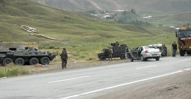 Hakkari'de askeri araca saldırı; 1 terörist öldürüldü