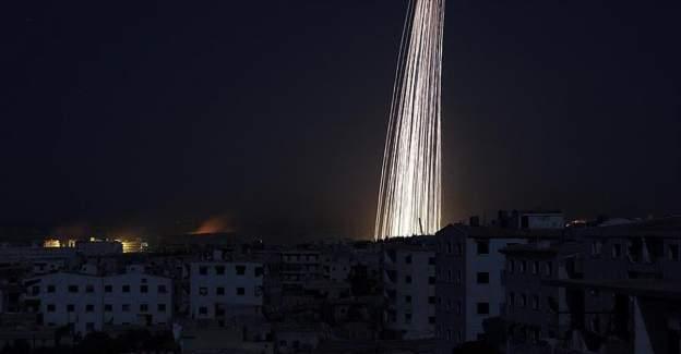 Rus uçakları Halep'i fosfor bombasıyla bombaladı