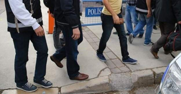 Düzce'de 9 öğretmen gözaltına alındı
