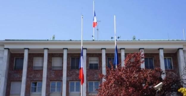 Fransa'nın Ankara Büyükelçiliği geçici olarak kapatıldı