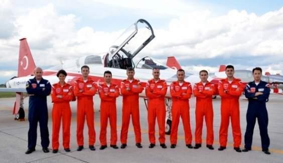 Türk Yıldızları: 'Devletimizin ve yüce milletimizin emrindeyiz'