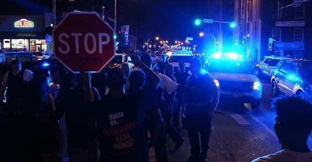 ABD'de siyahilere yönelik sert müdahaleler protesto edildi