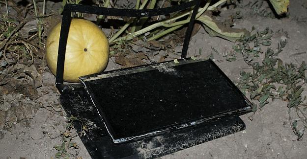 Akıncı Üssü yakınında bulunan tarlada 3 kırık bilgisayar bulundu