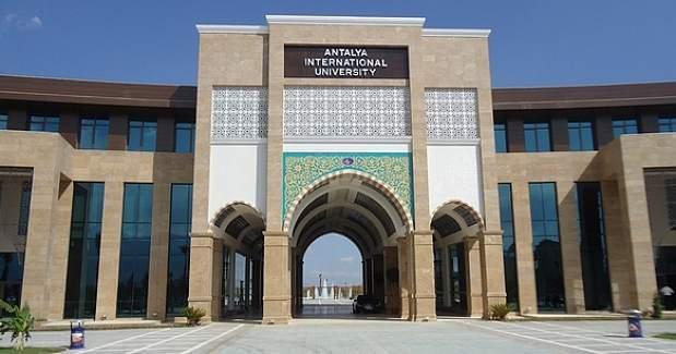 Antalya Üniversitesi'nde görevli 26 personel tutuklandı